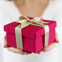 What to Do When an Invitation Says 'No Gifts'