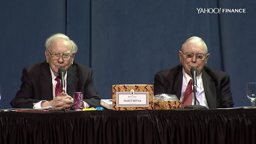 Warren Buffett and Charlie Munger at Berkshire Hathaway's 2016 Annual Meeting (Screenshot from Yahoo! Finance webcast)