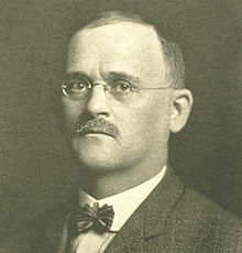 Will Keith Kellogg invented corn flakes in 1894 at a sanitarium in Battle Creek, Michigan