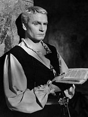 Laurence Olivier Suffered Stage Fright Even in His Sixties